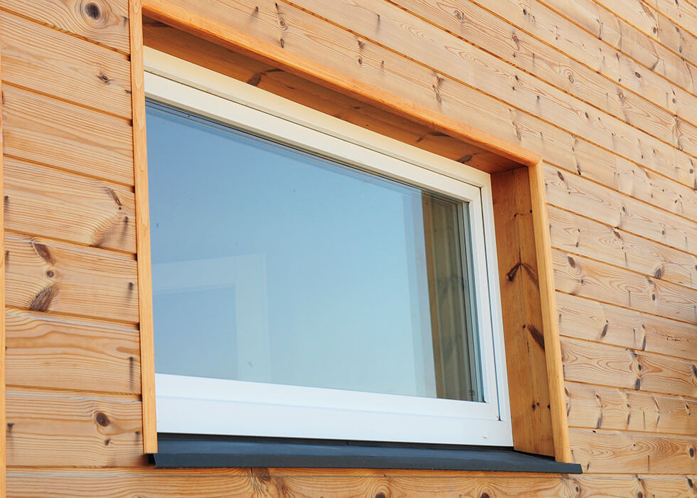 https://www.stedek.co.uk/wp-content/uploads/2018/04/Large-white-uPVC-tilt-and-turn-window.jpg