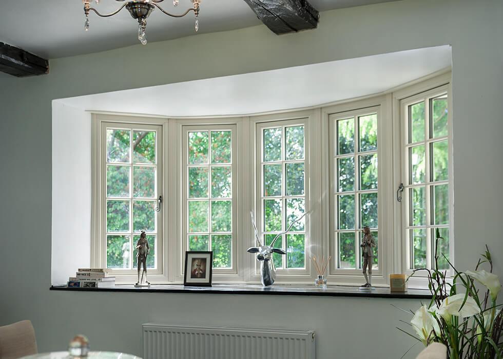 https://www.stedek.co.uk/wp-content/uploads/2018/06/Flush-sash-bay-window-interior.jpg