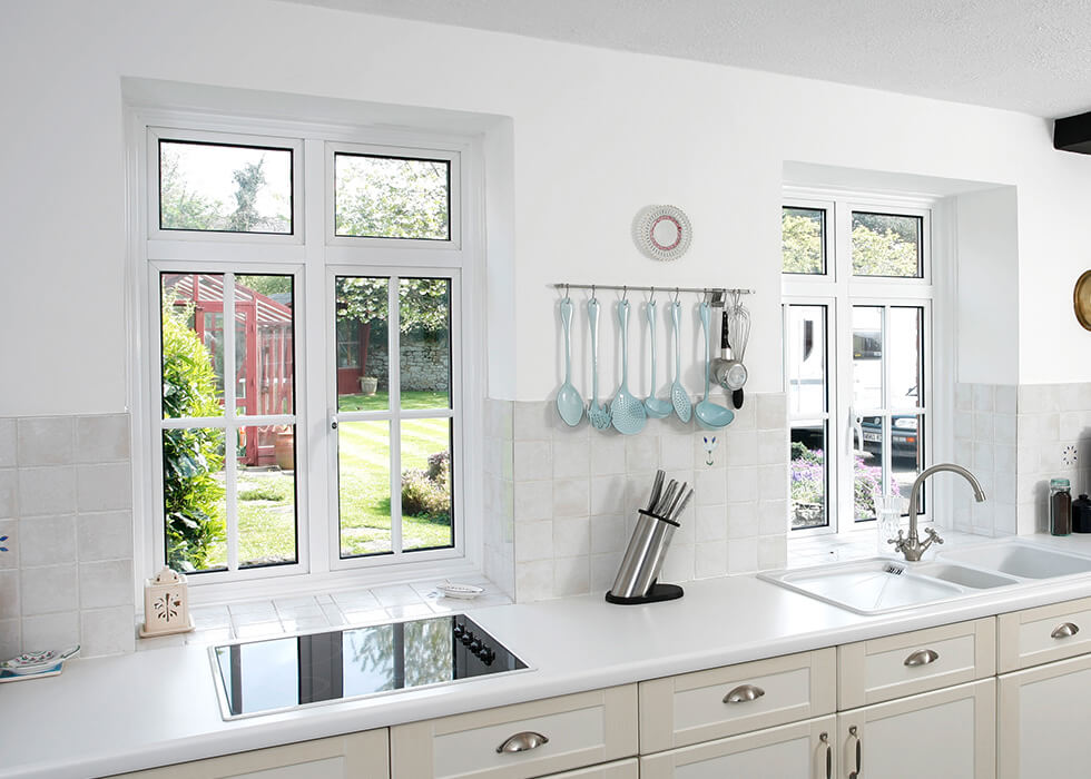 https://www.stedek.co.uk/wp-content/uploads/2018/06/Smart-aluminium-windows-interior-view.jpg