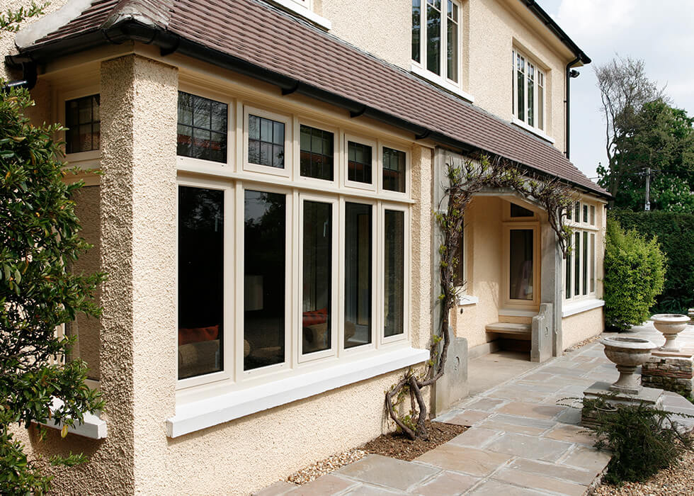 https://www.stedek.co.uk/wp-content/uploads/2018/06/Smart-cream-aluminium-windows.jpg