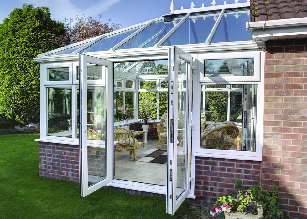 https://www.stedek.co.uk/wp-content/uploads/2018/06/White-uPVC-Swish-Conservatory.jpg